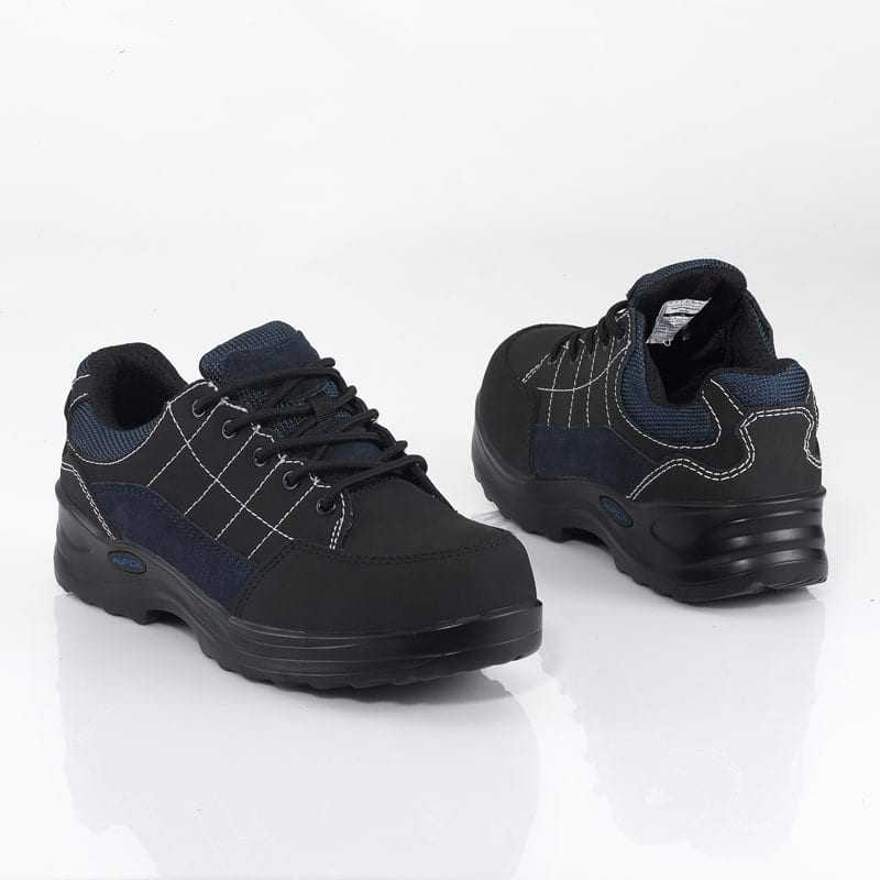 Qi | Slip Resistant Shoes